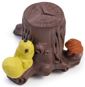 Чайная фигурка-подставка Белка на пне
