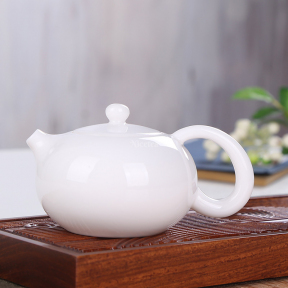 Чайник заварочный фарфоровый белый 200 мл