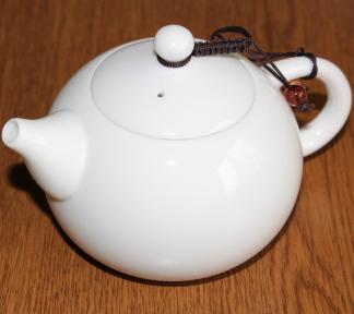 Чайник заварочный фарфоровый белый 220 мл
