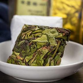 Чай улун Шуй Сянь Светлый 250 г