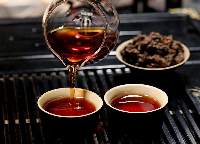 Чай Шу Пуэр Синь И Хао Старые чайные головы